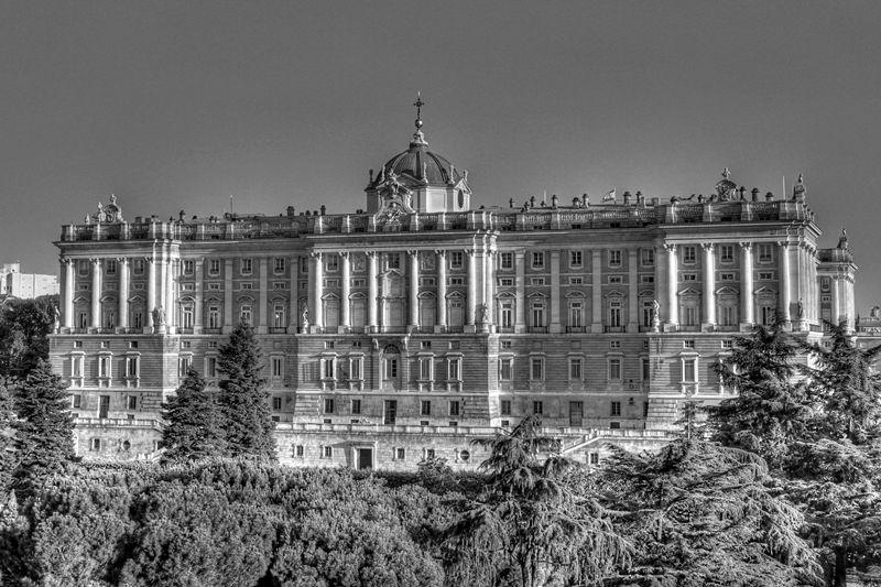 Madrid Up In The Air El Palacio Real Desde La Terraza Del