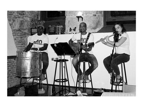 FOTO 6 Bossa Guitarra Flauta y percusión
