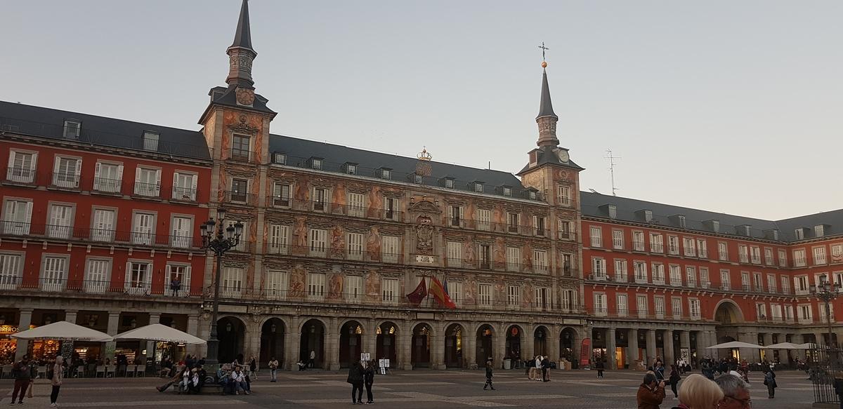 plaza mayor abril 2019 - Experiencias Happening al caer el verano 2019