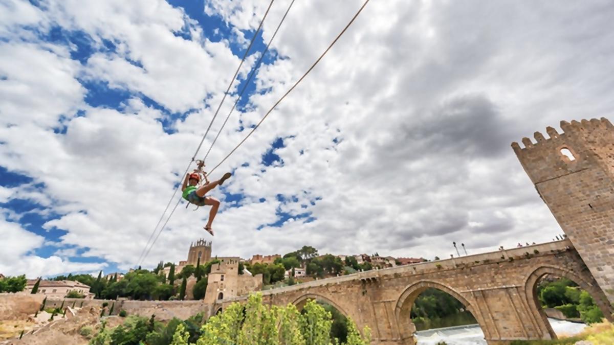 fly toledo - Tapas en Toledo, Tirolina sobre el Tajo,  Senda y Casco Histórico y Festival de Jazz